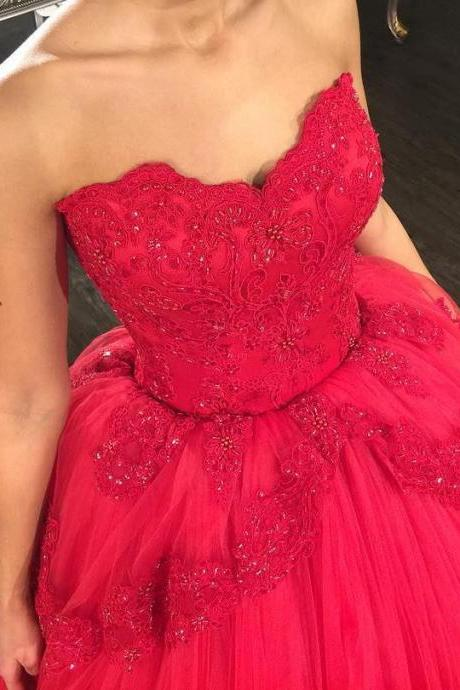 Red Wedding Dress Stunning Lace Appliques Bridal Dresses