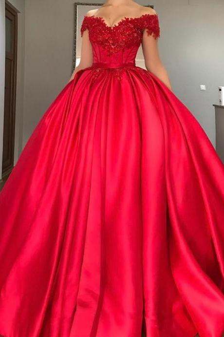 Charming Ball Gown Prom Dresses with Beads Lace Appliques Prom Dress