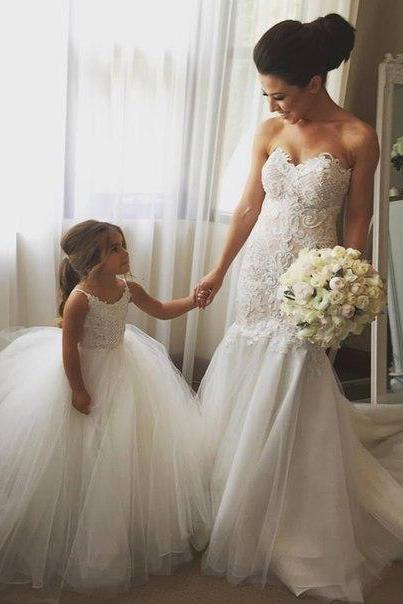 Lace Appliques Sweetheart Wedding Dress,Floor Length Wedding Dresses,Tulle Mermaid Wedding Dress Featuring Train,Wedding Gowns ,Bridal Bride Dresses