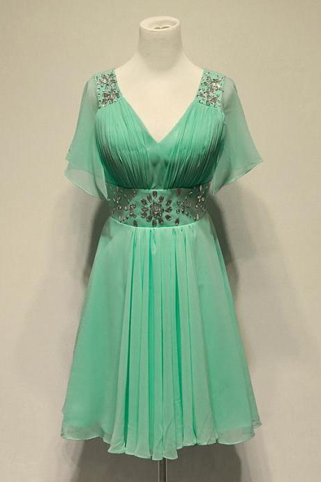 Charming Mint Green Chiffon Knee Length Bridesmaid Dresses with Beadings, Knee Length Bridesmaid Dresses, Green Bridesmaid Dress, Bridesmaid Dreses, Formal Dresses, Party Dress,Wedding Guest Prom Gowns, Formal Occasion Dresses,Formal Dress