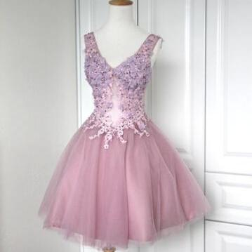 Cute Tulle V-neckline Short Lace-up Homecoming Dresses 2016 with Applique, Lovely Short Prom Dresses 2016, Homecoming Dresses, Graduation Dresses,short Homecoming dresses,girls party dress, sexy prom Dresses,homecoming dress , 2016 cheap short sexy prom dress .